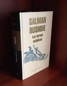 Libro Los versos satánicos de Salman Rushdie