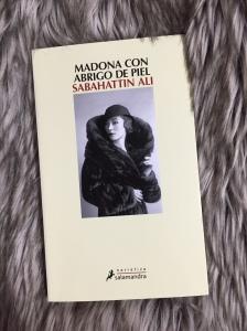 Libro Madona con abrigo de piel de Sabahattin Ali