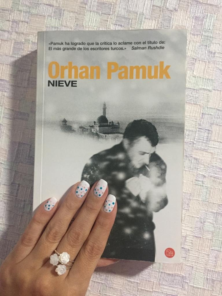 Libro Nieve de Orhan Pamuk